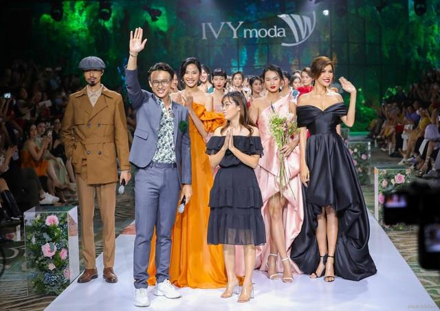 Mua váy dự tiệc sang trọng tại Ivy moda